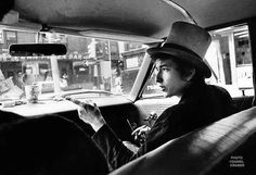 Bob Dylan multimedia show: Bob Dylan With Top Hat