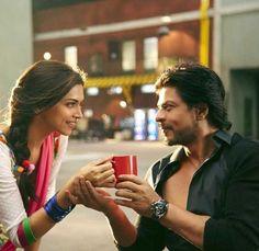 Shah Rukh Khan and Deepika Padukone - Manwa Laage song video - HNY (2014)