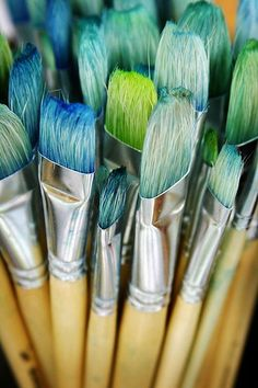 to paint in bright and turquoise colours