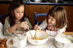 Summer is a perfect time to get the kids cooking! Get started with these tips from The Family Dinner.