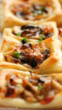 Caramelized Onion, Mushroom, Apple & Gruyere Bites Lippi Mayer just planning the menu for our dinner party! Finger Food Appetizers, Yummy Appetizers, Appetizers For Party, Appetizer Recipes, Snack Recipes, Cooking Recipes, Appetizer Ideas, Appetizer List, Crowd Recipes