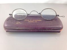 New to TheOldJunkTrunk on Etsy: Sweet Antique Gold Eyeglass Spectacles with original leather case.  Vintage accessories old eyeglasses. Antique spectacles. (32.00 USD)