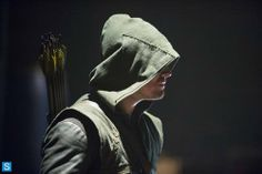 "Arrow - 2x08 - ""The Scientist"" - Stephen Amell as Oliver Queen/The Arrow"