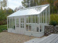 Växthus på längden i terass