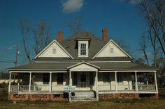 helena-ga-telfair-county-victorian-house-abandoned-endangered-southern-small-town-photo-©-brian-brown-vanishing-south-georgia. Walton-Dennis House 1900