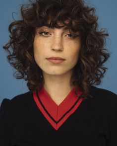 42 trendy ideas for hairstyles curly bangs short bobs Curly Hair With Bangs, Curly Hair Cuts, Short Curly Hair, Hairstyles With Bangs, Wavy Hair, Curly Hair Styles, Cool Hairstyles, Curly Mullet, Haircuts