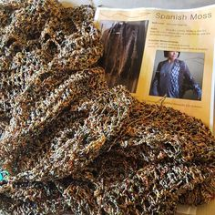 Stash busting in process... #crochet #spanishmosswrap #dandoh #crochetersofinstagram #filaturadicrosa by creative_soul