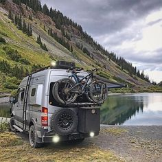 21 Models of Offroad Vans for Camping in The Interior Where The Road is Difficult to Get Through - Camper Life Auto Camping, Van Camping, Sprinter Van Conversion, Camper Conversion, Mercedes Sprinter Camper, Benz Sprinter, Kombi Home, Off Road Camper, Camping Photography