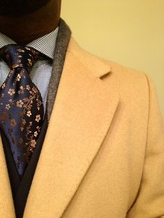 Loving the colors on the tie... work so well with the camel color jacket #MensStyle #PrintTies #Gentlemen