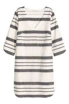 Хлопковое платье в полоску  Прямое платье из воздушной х б ткани. На платье 0e35ca8c641