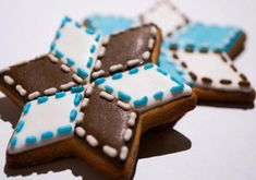 How to decorate a Christmas star with royal icing - Cookie decorating