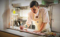 Kaskis est la promesse d'une cuisine universelle raffinée aux sources finlandaises avec des produits de saison, récoltés à proximité du restaurant, dans les forêts denses avoisinantes.