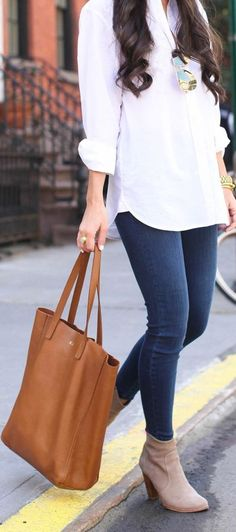 Such a classic, effortlessly chic look.  Open toe booties would've been a cute touch!
