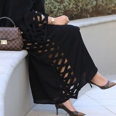 Shared by Find images and videos about shoes, luxury and heels on We Heart It - the app to get lost in what you love. Iranian Women Fashion, Arab Fashion, Muslim Fashion, Modest Fashion, Fashion Dresses, Abaya Designs, Abaya Mode, Hijab Stile, Islamic Clothing