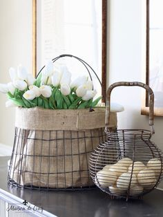 French Vintage Inspired Spring Dining Room ~ Here a Pottery Barn wire basket was lined with burlap and filled with tulips. It is complemented by an egg basket. You are in the right place about gift ba Pottery Barn Baskets, Vintage Wire Baskets, Simply Home, Decor Logo, Spring Home Decor, Spring Decorations, French Farmhouse, Farmhouse Style, French Country