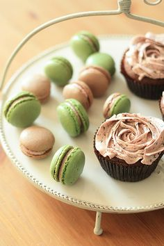 Macarons and cupcakes!!!!!!!