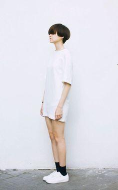 Hair cuts black simple for 2019 Girl Short Hair, Short Hair Cuts, Short Girls, Asian Fashion, Look Fashion, Girl Fashion, Fashion Clothes, Bcbg, Shot Hair Styles