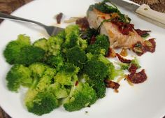 Debbi Does Dinner... Healthy & Low Calorie: Pork Loin w/ Sundried Tomatoes & Spinach - 17 Day Diet-First day's menu posted