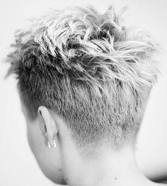 @beauty_studio_panchenko #shorthair #h#s #pixie#haircut#short#blonde #blondehair #b#hair #blondehairdontcare #стрижка #короткиестрижки