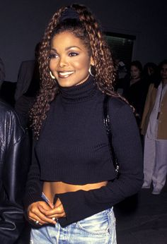 Janet Jackson 90s Outfit, American Singers, Janet Jackson 90s, Jo Jackson, Jackson Family, Michael Jackson, 90s Fashion, Black Girls, 1990s Black Hairstyles