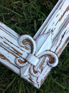 Courtlyn & Company: White Antiqued Fleur De Lis 8X10