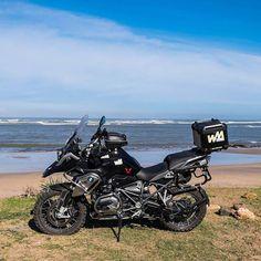 Triple black #wheelsofmorocco #bmwmotorrad #MakeLifeARide #bmwgs1200 #bmwbikes #mototravel #advaddicts #advlife #mototravel_lovers #nodirtnoglory #spiritofgs #adventurebikes #motorcycletravel #motorcycletouring #bmwgs #ridewithus #2wheeladventure #morocco #instadaily #motorcycleadventures #instatravel #beach #blackmamba #swmotech #traxadv
