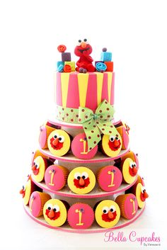 Vanessa Iti of Bella Cupcakes - Love Elmo and love this cake/cupcake tower