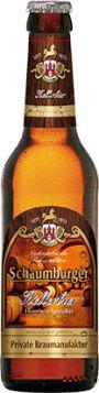 Schaumburger Kellerbier - es wird unfiltriert, naturtrüb abgefüllt und zeigt eine kräftige, dunkelblonde Farbe. Es enthält eine leichte Grundbittere, überzeugt jedoch durch seine geschmacksprägenden Hefeanteile. Die Farbe der historischen Spezialität leuchtet goldgelb.