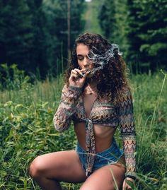 Hot topics, interesting posts and up to date news Studio Photography Poses, Girl Photography, Girl Smoking, Smoking Weed, Budoir Shoot, Cannabis, Weed Pictures, Backgrounds, Ganja