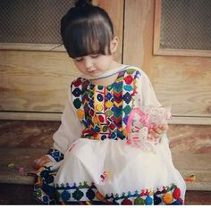 Kids Summer Dresses, Wedding Dresses For Kids, Little Girl Dresses, Kids Party Frocks, Kids Frocks, Girls Frock Design, Baby Dress Design, Girl Fashion Style, Kids Fashion
