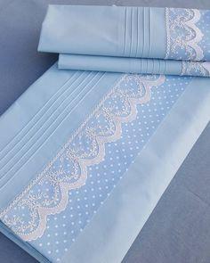 The romantic form of blue ..,  #blue #form #homedecorinstagram #Romantic Peinture Bébé, Ensembles De Literie, Draps Pour Bébé, Coudre Pour Bébé, Draps De Luxe, Linge De Lit, Broderie De Bébé, Parure De Drap, Literie Chic