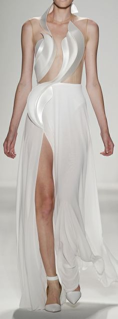 Mercedes Benz Fashion Week: Sculptural Fashion - dress with rigid contours & long flowing skirt - contrast of soft & hard; 3d Fashion, White Fashion, Fashion Details, Couture Fashion, Runway Fashion, Fashion Dresses, Womens Fashion, Fashion Design, Haute Couture Style