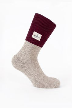 This pair's inspired by the Greenland's cold weather. Nuuk brings us to a warm and cosy place- it's as if you were sitting in front of a fireplace on a frosty winter night. It is made of natural cotton fibres while rocking a cool design. Nuuk reminds us the good old days. 14,95€