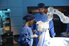 Eylül ve Ali Asaf aralarındaki çekime karşı koyamıyor! Doctor Drawing, Craft Room Design, Favorite Movie Quotes, Medical Drama, Nursing Clothes, Med School, Medical Students, Turkish Actors, In A Heartbeat