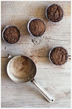 Muffins de Chocolate, Banana e Cardamomo