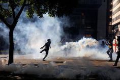 #Venezuela #anti-#govt unrest marks 50th day with huge marches...