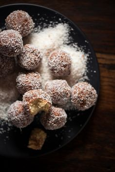Raw Cashew + Vanilla Lamington Bites : The Healthy Chef – Teresa Cutter