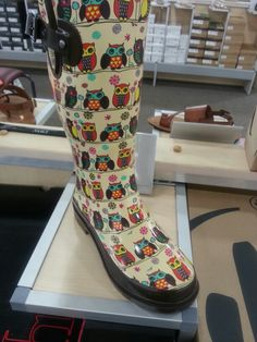 Owl rain boots from DSW! I want this!