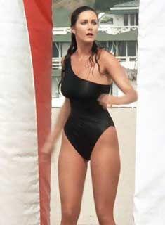 bikini Lynda carter