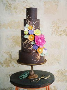 Artfully detailed cake by Blue Note Bakery. Photo by Ashley Bosnick Photography. #weddingcake #austinwedding #austin #cake #caketrends