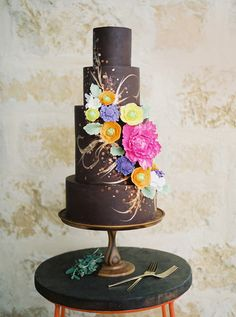 Artfully detailed cake by Blue Note Bakery. Photo by Ashley Bosnick Photography. #weddingcake #austinwedding #austin #cake #caketrends