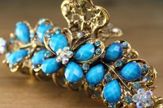 This vintage turquoise jaw clip is a shop favorite! Its a unique and elegant hair accessory sure to stand out on any head of hair. Perfect for a Wedding Up Do, A Little Life, Butterfly Design, Vintage Turquoise, Elegant Hairstyles, Turquoise Gemstone, Hair Accessory, Hair Clips, Casual Outfits