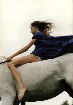 escape - Hi Sci Fi, Wild & Lethal Trash! Spring 1999 Ready to Wear, ph. Ronald Stoops, Belgian Fashion Design