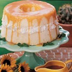 Angel Food Cake with Caramel Sauce http://www.letim.info/archives/26.html