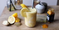 Tropical Turmeric Protein Smoothie Recipe @ Aloha.com l Try Any Aloha Proteins FREE for 1 Month! Visit @ https://aloha.com/shop/protein-free-month?ref=ea68d7c6 #smoothies