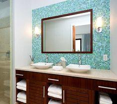 Baños compartidos, con dos lavabos #Decoracion #Baños #Bathroom #HomeDecor