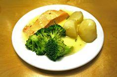 Brokolica s karí omáčkou Broccoli, Chicken, Meat, Vegetables, Lemon, Vegetable Recipes, Veggies, Cubs