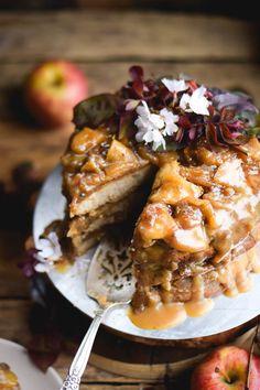 layered-cinnamon-caramel-apple-upside-down-cake-7