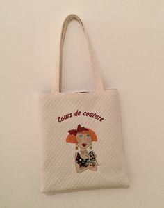SAC FOURRE-TOUT DIT TOTE BAG avec BRODERIE COUTURIÉRE : Sacs bandoulière par marsanna-creations-broderies