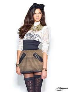 I love the originality of this outfit that Kendall Jenner is modeling. supes cute